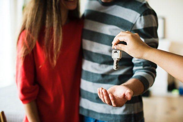couple-home-house-1288482