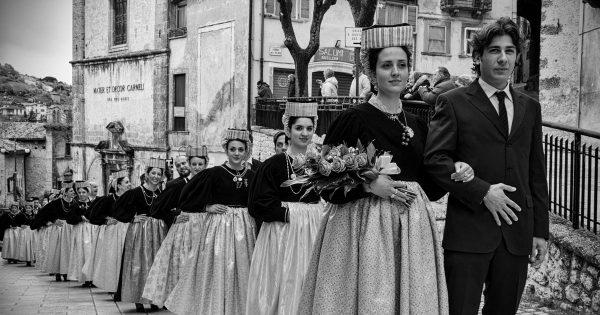 """14 Ago – """"Ju Catenacce"""" Rievocazione del matrimonio tradizionale Scanno"""
