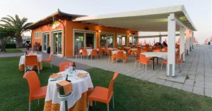 """Walkiki Beach"" Bar•Pizzeria•Ristorante•Stabilimento Balneare"